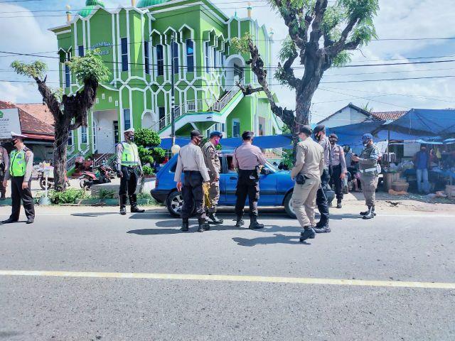 Operasi Yustisi Gabungan di Pasar Fajaresuk